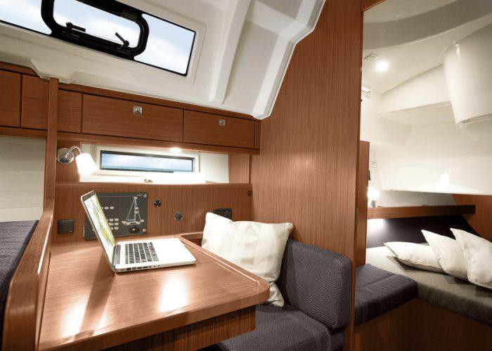 Cruiser41_Navigationstisch