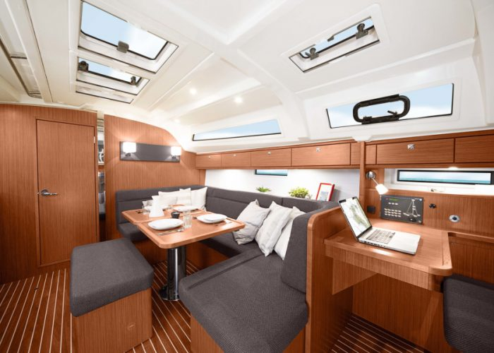 Cruiser41_Salon