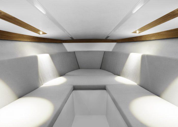 858 Fantom cabin